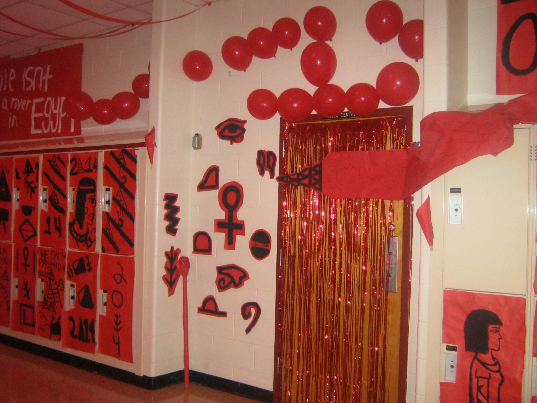 Hallway decorating ideas 10 fall hallway fall decorating ideas hallway - Hallway Decorating Ideas 10 Fall Hallway Fall Decorating Ideas Hallway 22